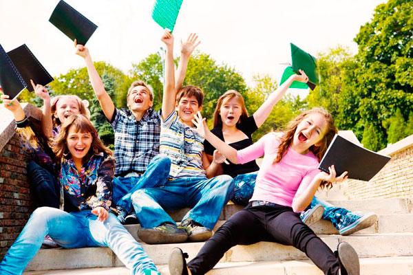 Viajes para hacer cursos de inglés en Inglaterra · Escuela Internacional · Linguaviaje