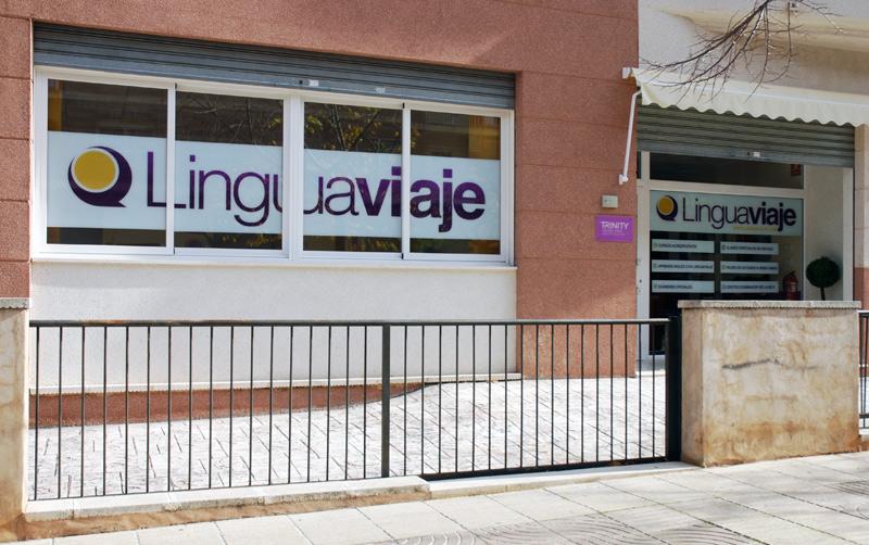 Viajes para hacer cursos de inglés en Inglaterra · Linguaviaje · Academia